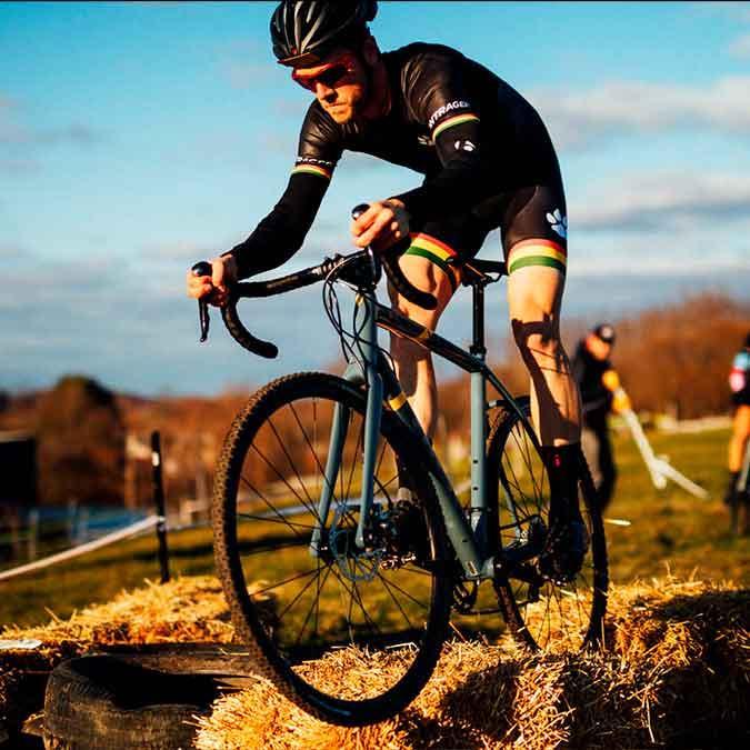 Fillarikellari cyclo-pyörä gravel-pyörä